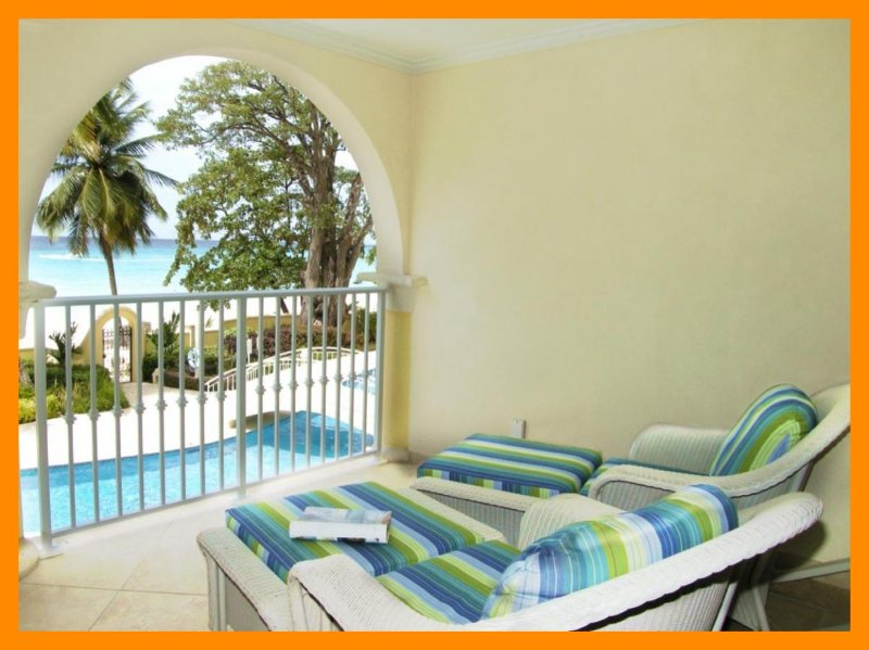 Sapphire Beach 114 - Beautiful beachfront condo, alquiler de vacaciones en Dover