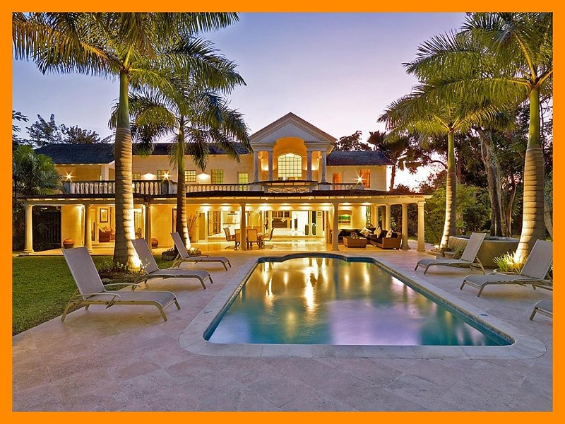Amberley House and Lodge - Villa with private pool, hot tub and beach access – semesterbostad i Paynes Bay