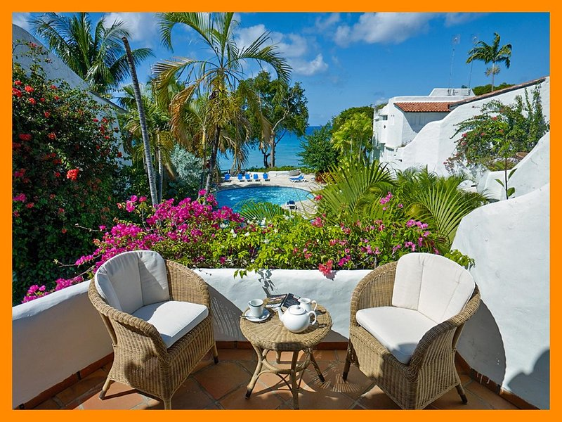 Merlin Bay 6 - Firefly, beachfront townhouse with private plunge pool, holiday rental in The Garden