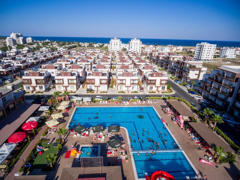 Long Beach Studios & Apartments, holiday rental in Famagusta
