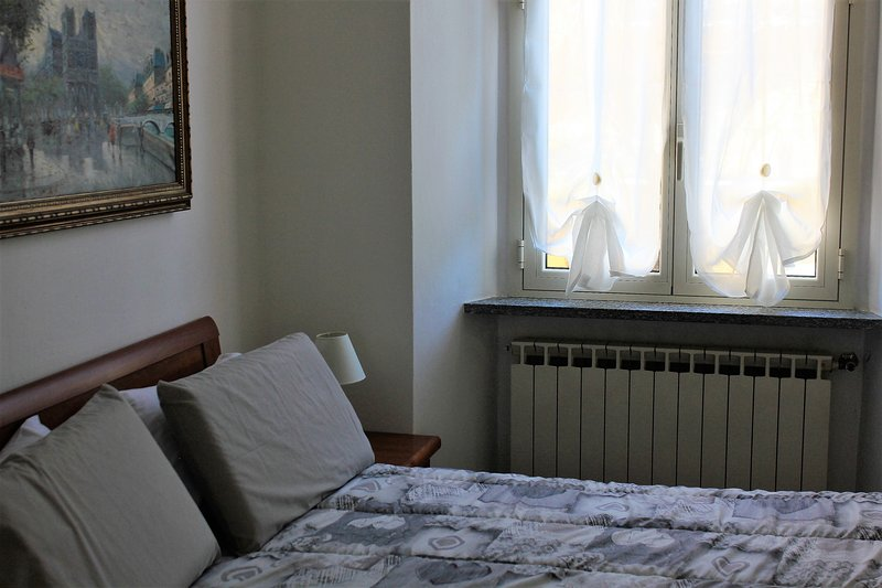 Appartamento SILVANA in centro a Domodossola, vacation rental in Baceno