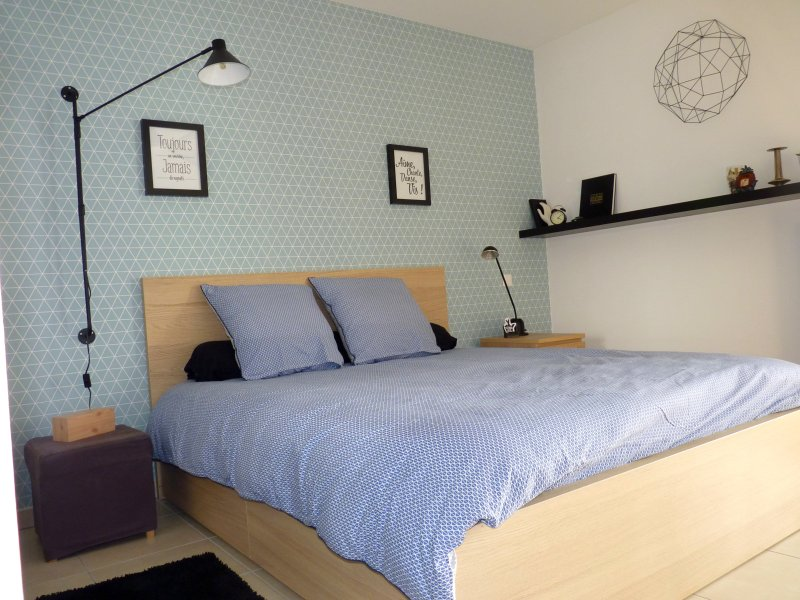Appartement OXYGEN: luxe et lumière proche du centre, du tram et de la mer, holiday rental in Montpellier