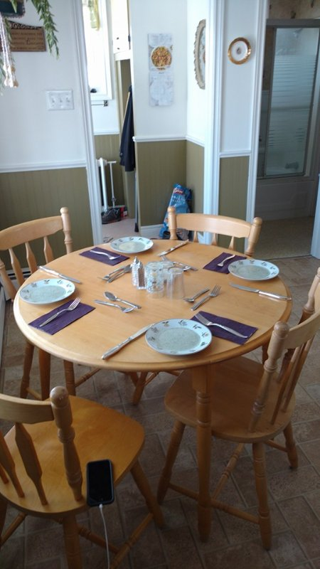 Asientos de mesa de la cocina para 4 personas cómodamente