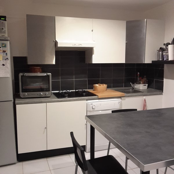 Kitchen with dining area for 6 people.