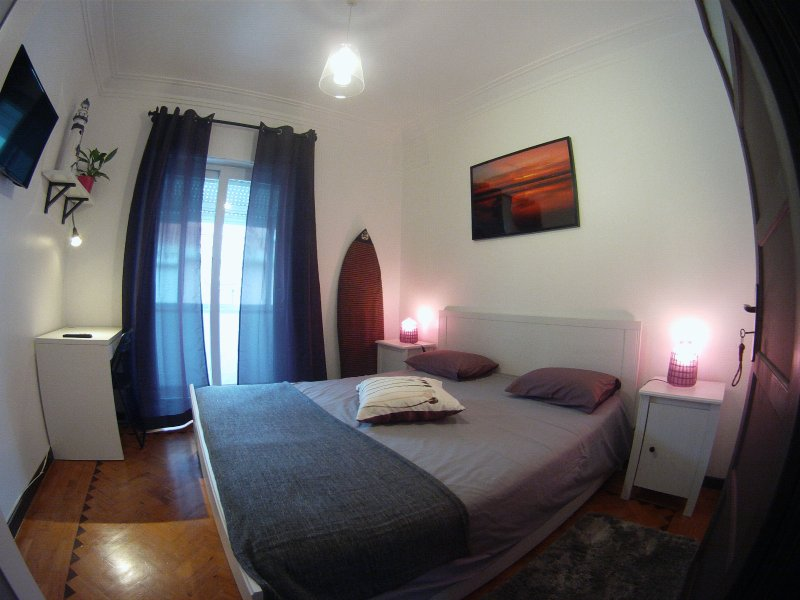 Lisbon Backpackers - Zen Room With Shared Bathroom, holiday rental in Alfragide
