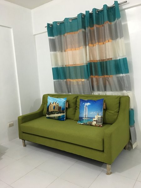 Fully furnished 2 bedroom at Bonifacio heights, vacation rental in Taguig City