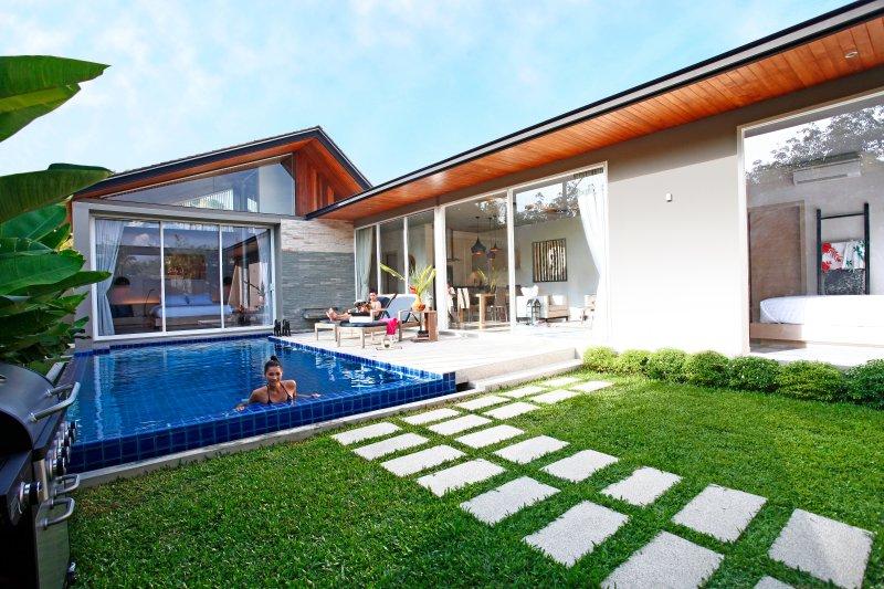 Villa Sunpao Resort and SPA 3 Bedrooms Pool Villa, holiday rental in Thep Krasattri