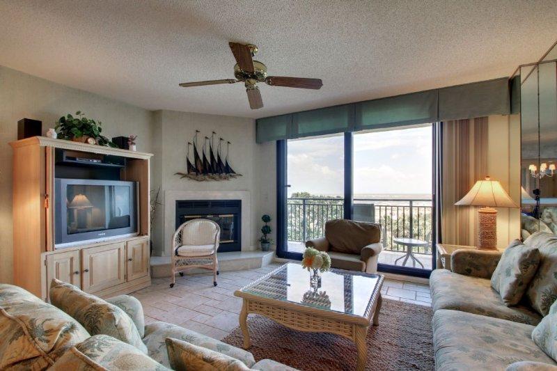 Wonderful Living Area with Ocean Views!