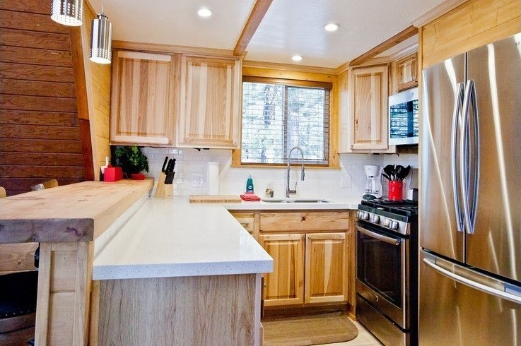 Upgraded kitchen with stainless steal appliances