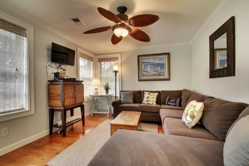 Sunroom, Excellent Additional Living Area