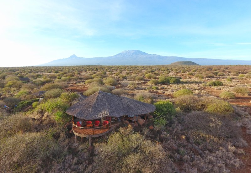 Wide open spaces in the savannah below Mt Kilimanjaro