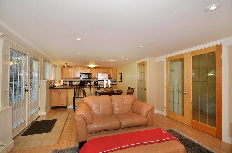 Open plan suite