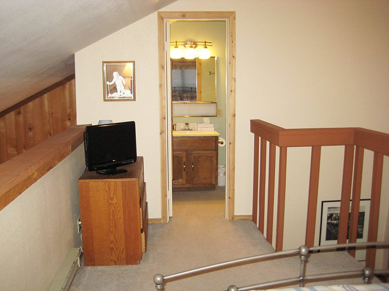 Loft (Other Direction) with Flat Screen TV