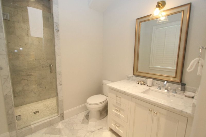 Private Bathroom for King Bedroom #3