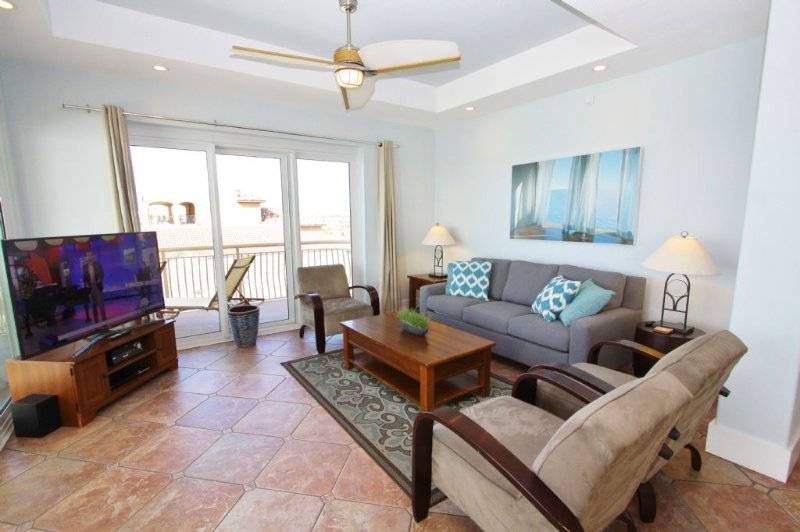 Large Comfortable Living Room with LCD TV
