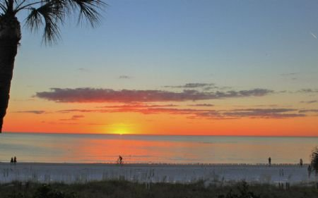 Sunset at Crescent Beach on Beautiful Siesta Key!