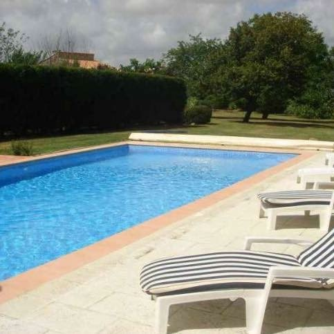 Gite Maison Halcyon, holiday rental in Moragne
