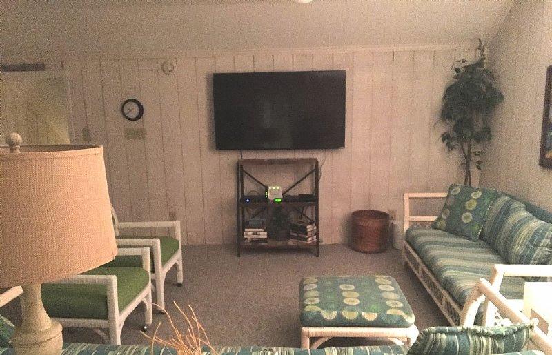 upstairs den-play area