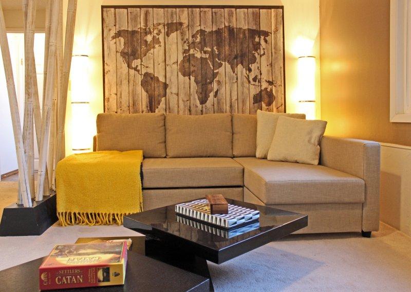 salle de jeux Downstairs dispose aa canapé-lit double et un EZ matelas pneumatique inflateable queen