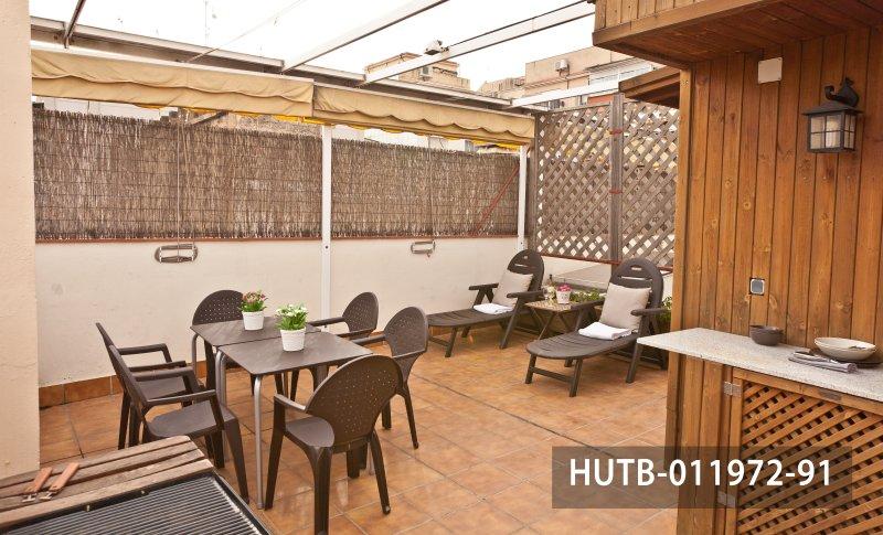 Modern rental apartment only steps away from Barcelona's Trade Fair, holiday rental in El Prat de Llobregat