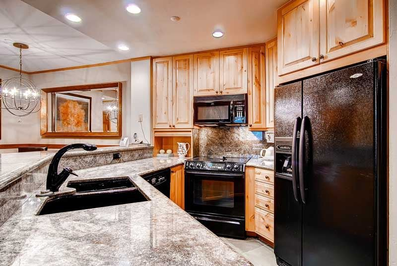 04-Highlands-Lodge-300-Cucina-1.jpg