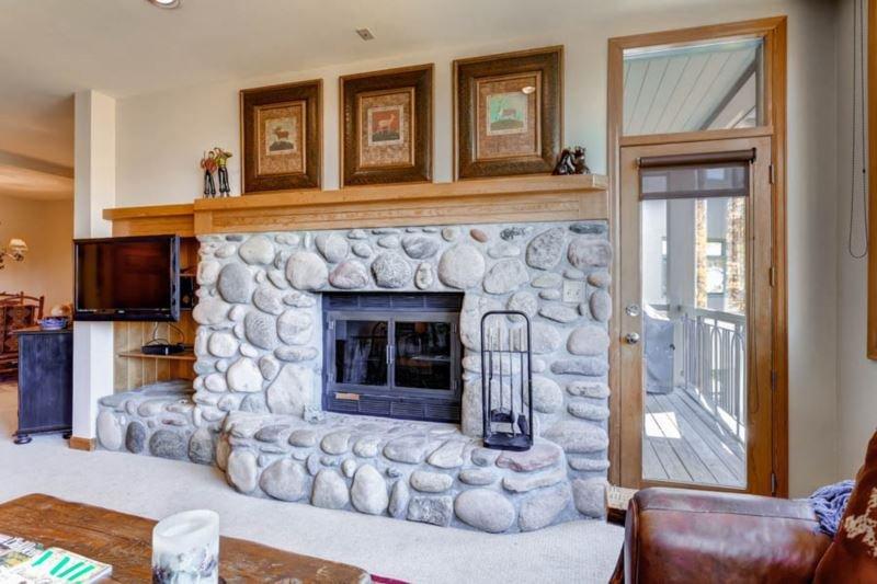 25 Highlands Lodge 305.jpg