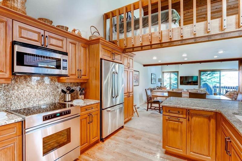 03_Ridgepoint-90_kitchen.jpg