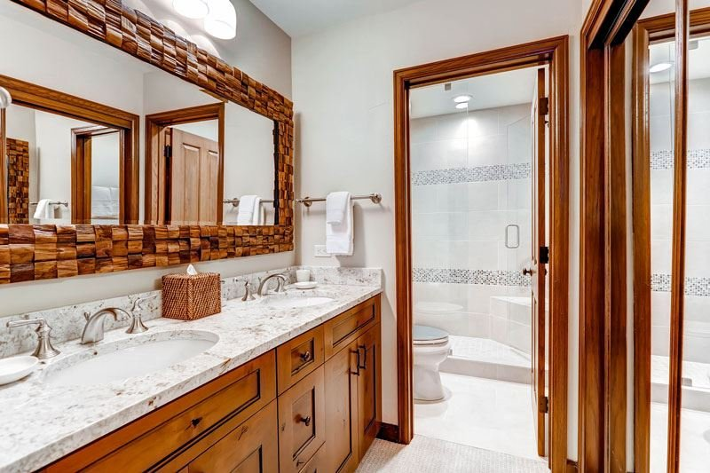 25-Highlands-Westview-305-Baño-C1.jpg