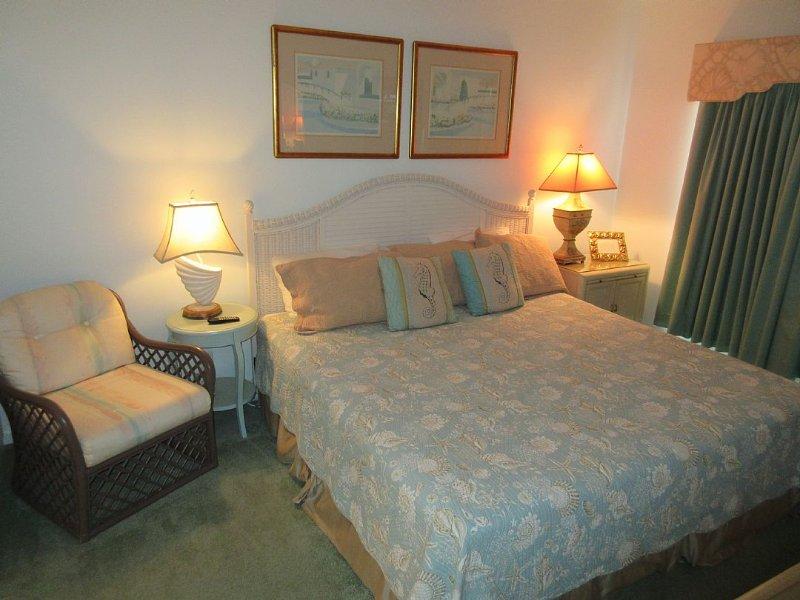 bedroom 1 downstairs - master