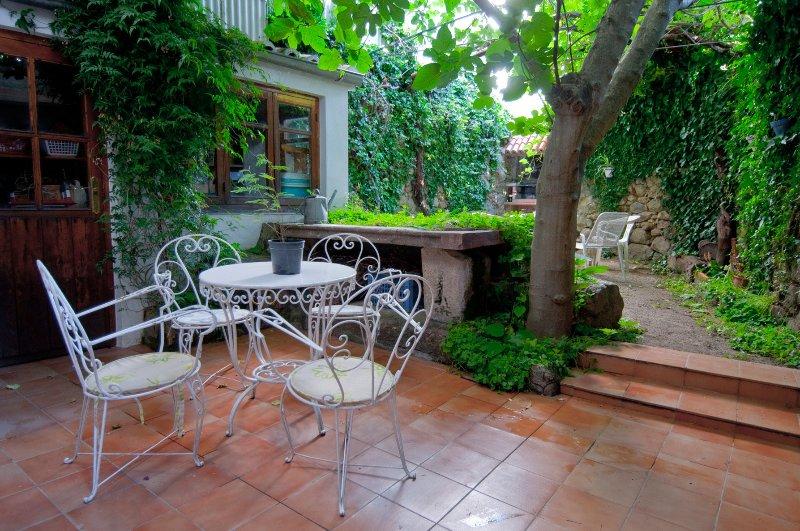 LA CASA DE SU, CASA RURAL, ACOGEDORA Y CON ENCANTO, vacation rental in Cabezuela del Valle