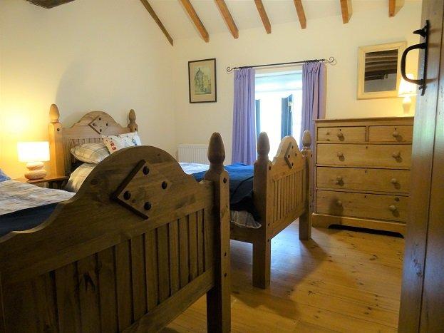 Sleep well in this idyllic ground floor twin room