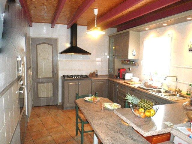 equipped kitchen. dishwasher, oven, micron wave, fridge freezer, toaster, coffee maker