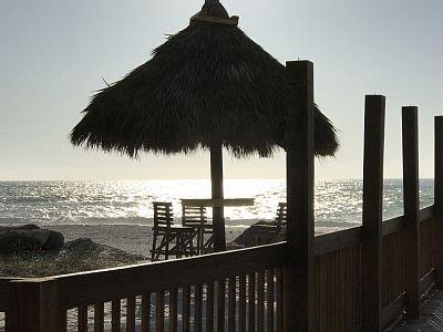 A tan sólo 7 minutos de las magníficas aguas azules y playas de arena blanca. Cerca de la Isla Anna Maria