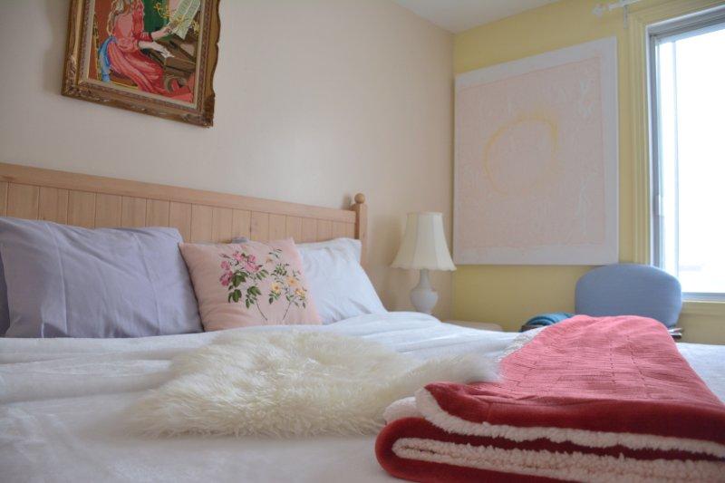 dormitorio con cama de matrimonio y nuevos recuerdos king size colchón de espuma