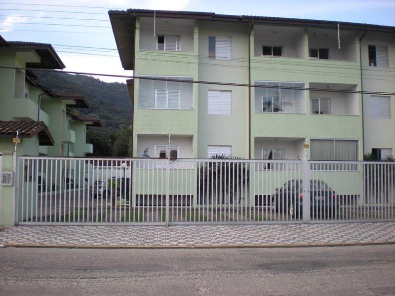 Apartamento Aconchegante em Ubauba (Litoral), holiday rental in Praia do Itamambuca