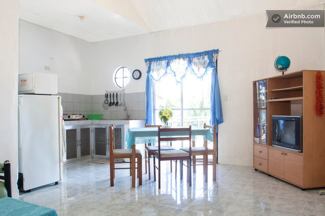 Top Floor Beach Apartment for couples or families - Blue, holiday rental in Puerto Galera