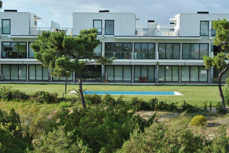 Pumila Apartment, Tróia, Setubal, holiday rental in Troia