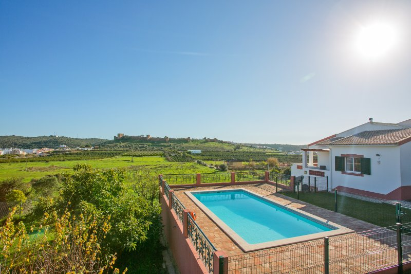 Luxurious Villa in Historical Countryside, Silves – semesterbostad i Silves