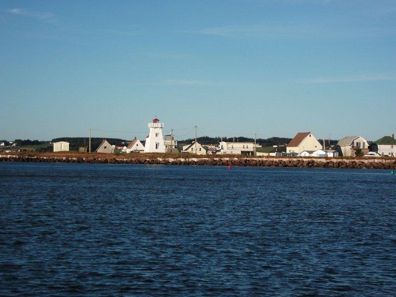 North Rustico Harbour, a sólo un paseo de veinte minutos en a lo largo de una hermosa boardwalk..benches para descansar