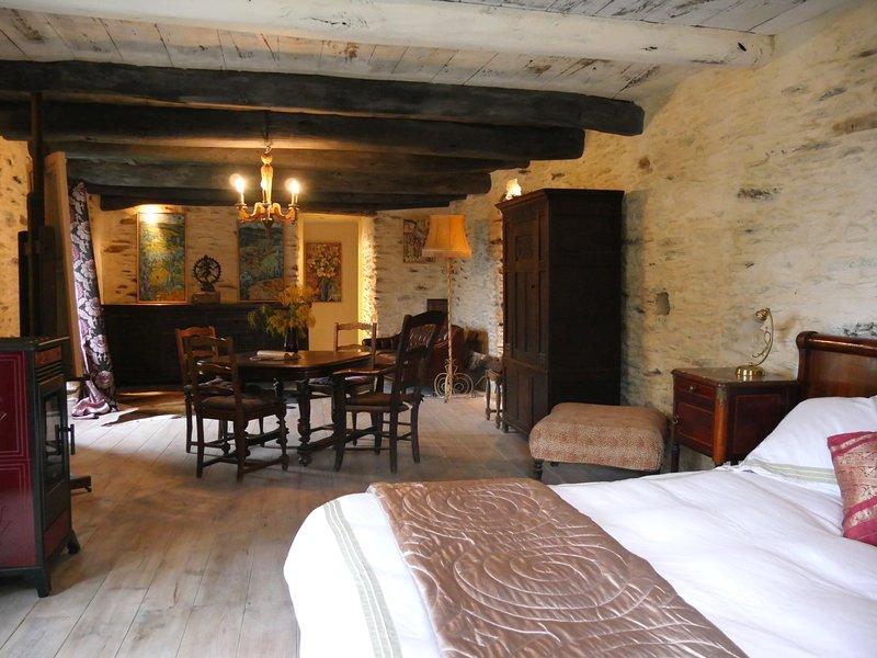 Masters suite in Blissful tranquilty, holiday rental in Saint-Michel-de-Deze