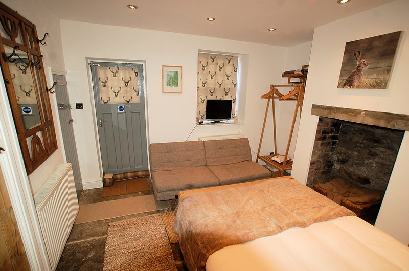 Bedroom 3 (The Grey Room) on Lower Ground Floor with direct access to Private Garden and Bathroom
