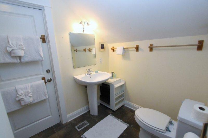 Third Floor Queen Bathroom with Shower