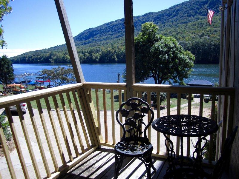 Front Porch vista del río Tennessee