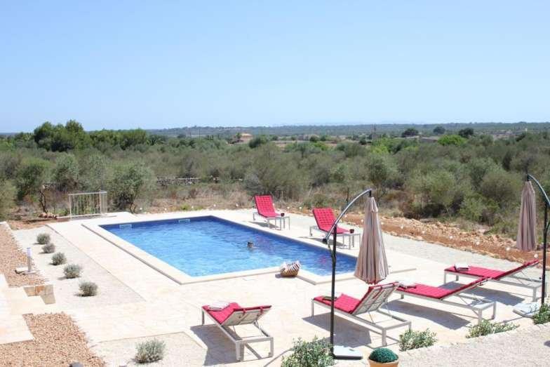Finca SA PLETA PETITA- Ses Salines house. Families. Sat TV. Private pool. Garden, casa vacanza a Ses Salines