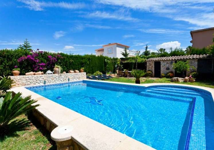 VILLA HERMOSA-  Stone house with private pool in Las Palmeras, 4 bedrooms. VERY, holiday rental in Puig de Ros