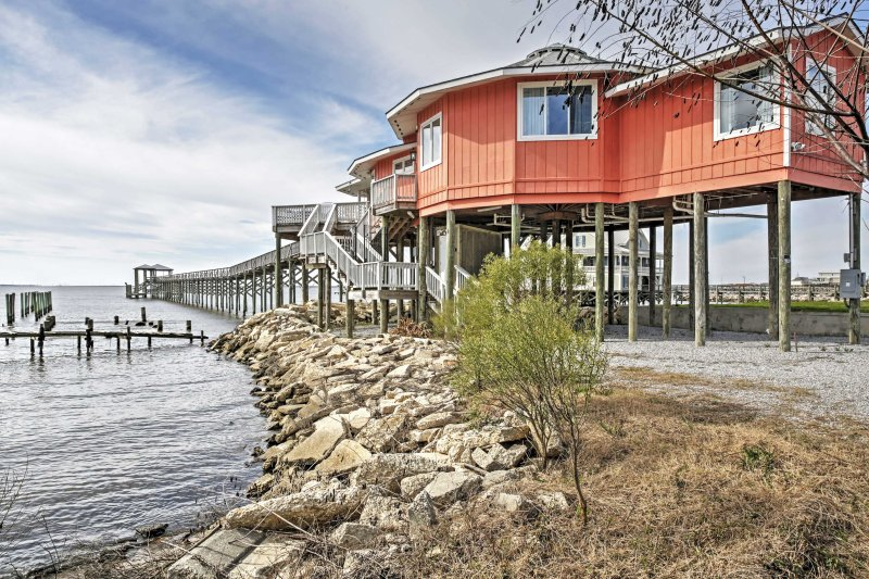 This unique property boasts 3 bedrooms, 2 bathrooms, and room for 9 guests.