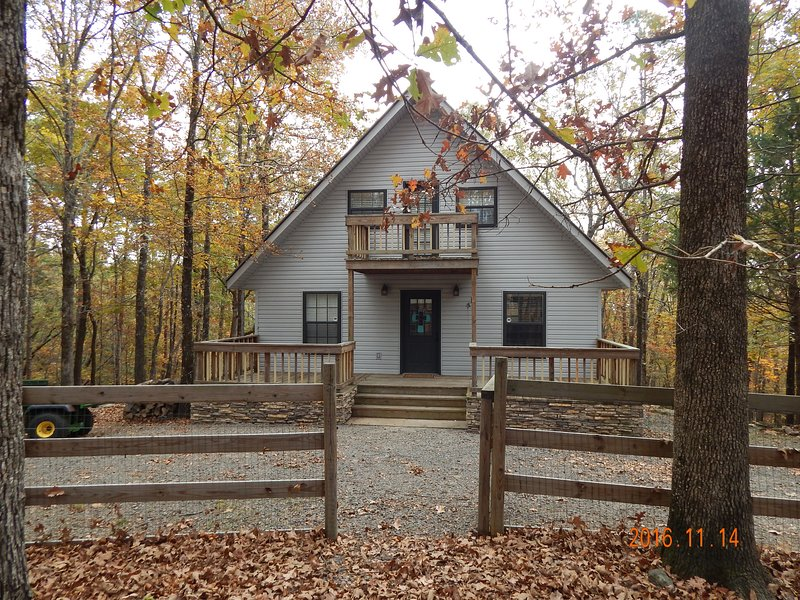 Beautiful 3 BD/2Ba Situated on 14 acres - great for hiking, fishing, relaxing and boating
