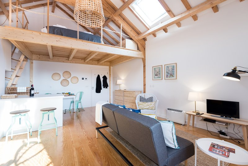 It is a spacious LOFT and above all with a lot of light