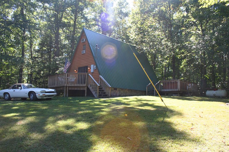 Mountain Escape Chalet, holiday rental in Summersville