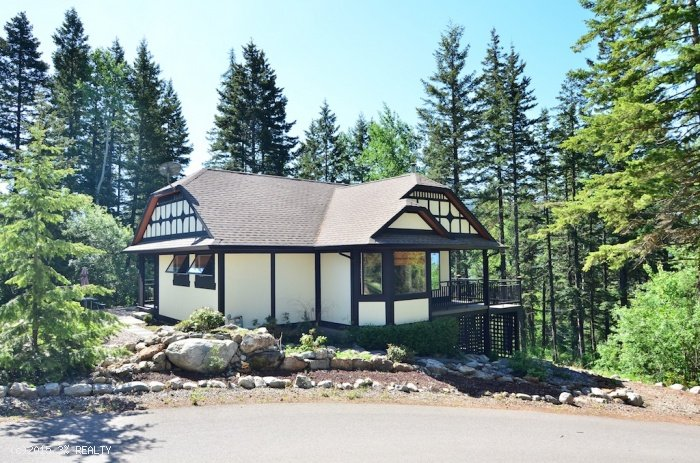 The Gate House Cottage at Castle on the Mountain, holiday rental in Silver Star